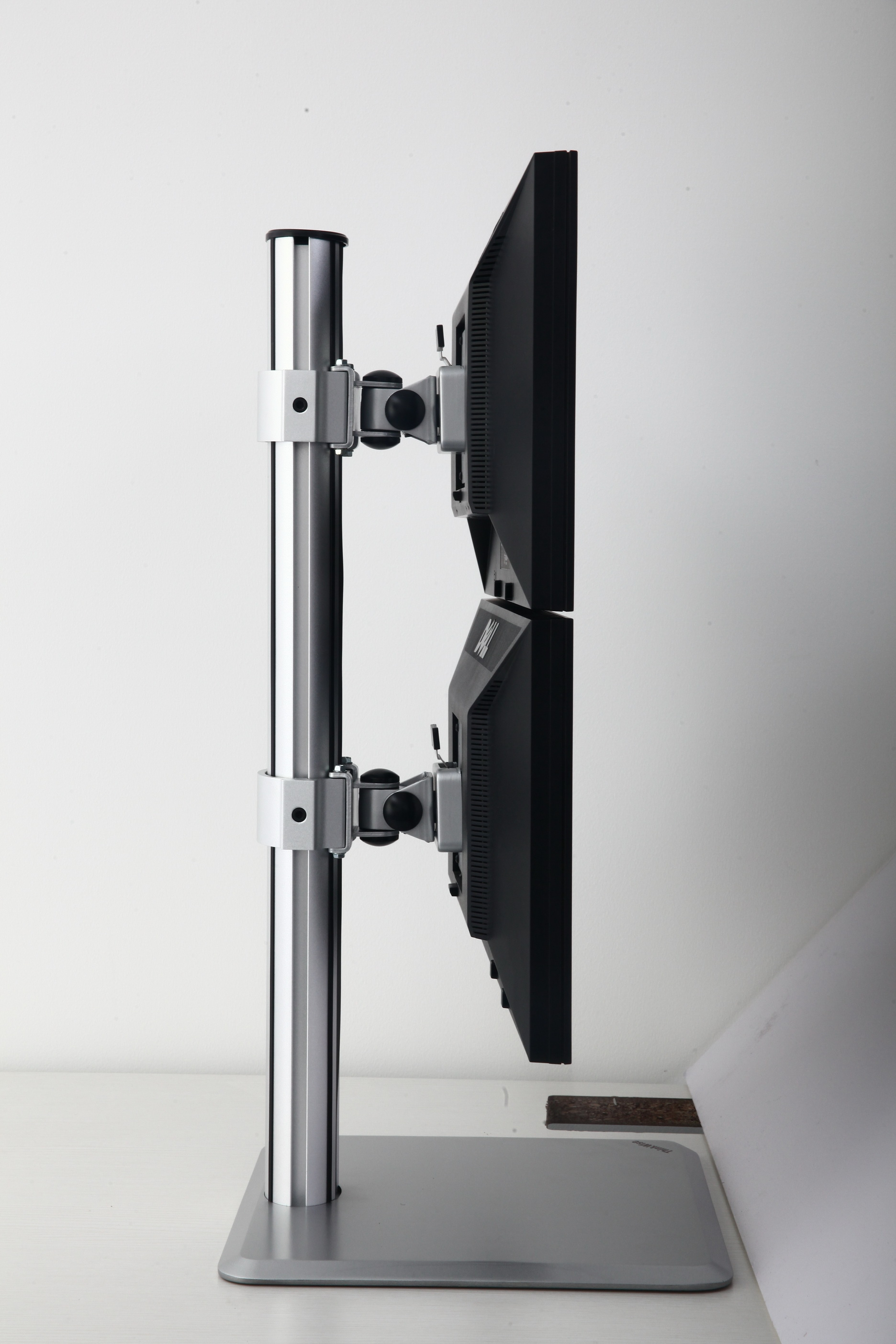 Dual Vertical Lcd Monitor Stand Ld272 Antsys